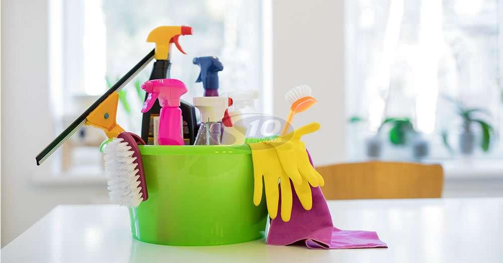 Serviço de limpeza em laboratórios na cidade de Atibaia/SP