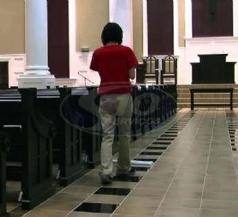 Foto: Limpeza terceirizada em igrejas