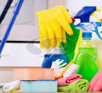 Foto: Serviço de limpeza em indústrias na cidade de Diadema/SP