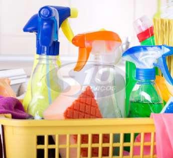 Foto: Serviço de limpeza em indústrias na cidade de Itaquaquecetuba/SP